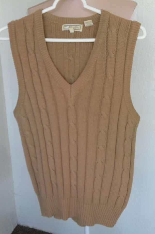 Vintage Men' Cable Knit Sweater Vest Classic Size Medium