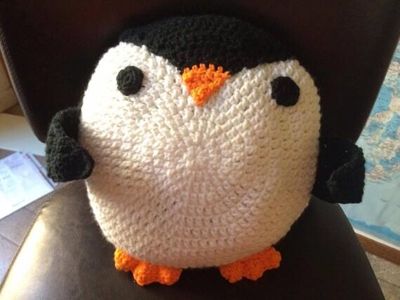 READY FOR A HUG Penguin Crochet Pattern