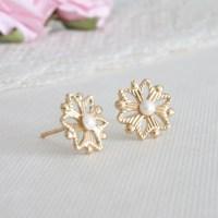 Small stud earrings Dainty stud earrings Tiny stud earrings