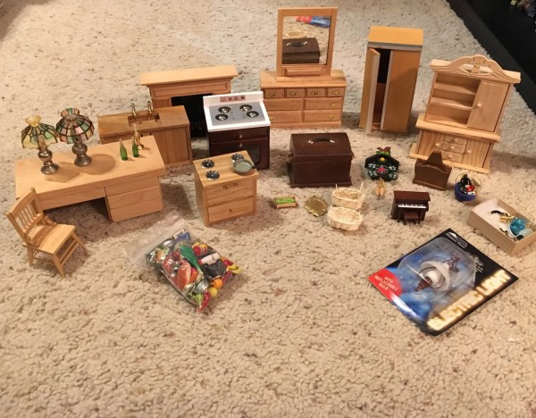 Vintage Dollhouse Furniture And Accessories Lot