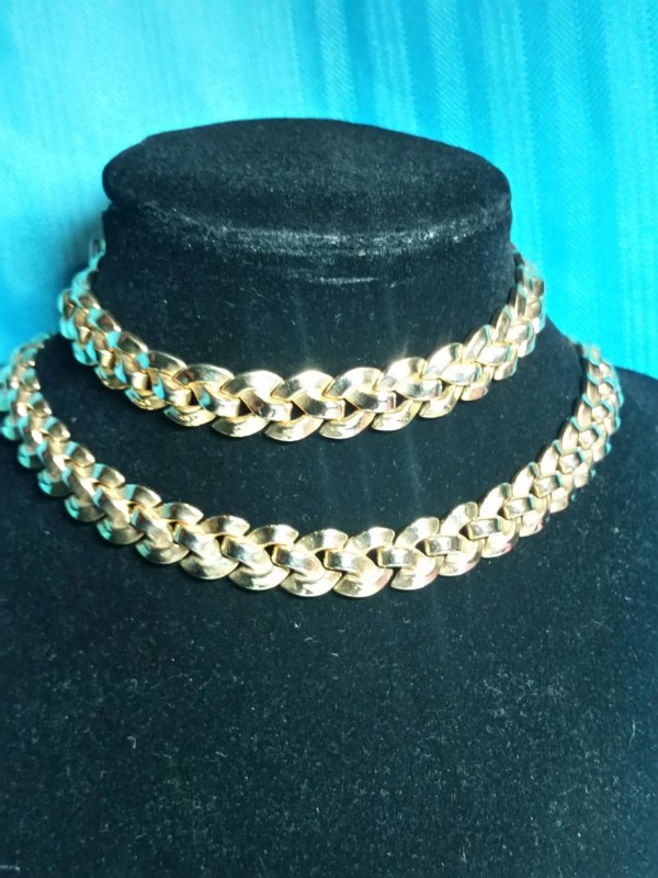 Early Gold Trifari Jewelry Set Bracelet And Necklace