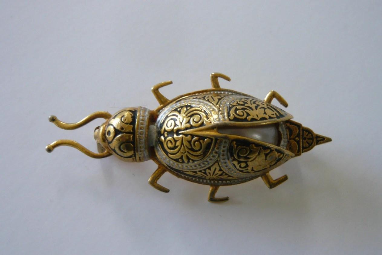 Vintage Spanish Damascene Scarab Beetle Pin Brooch Goldtone