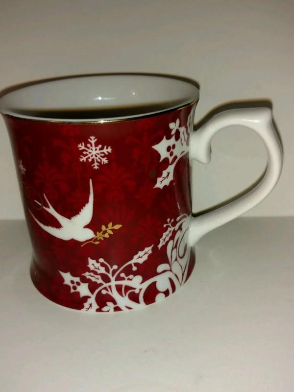 Collectible Starbucks 2010 Christmas Mug Red White Snowflake