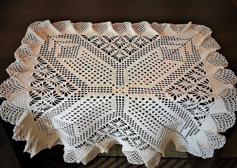 crochet lace dinner placemat