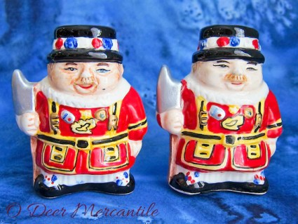 Tower of London British Beefeater Salt and Pepper: Novelty Porcelain Shaker Set
