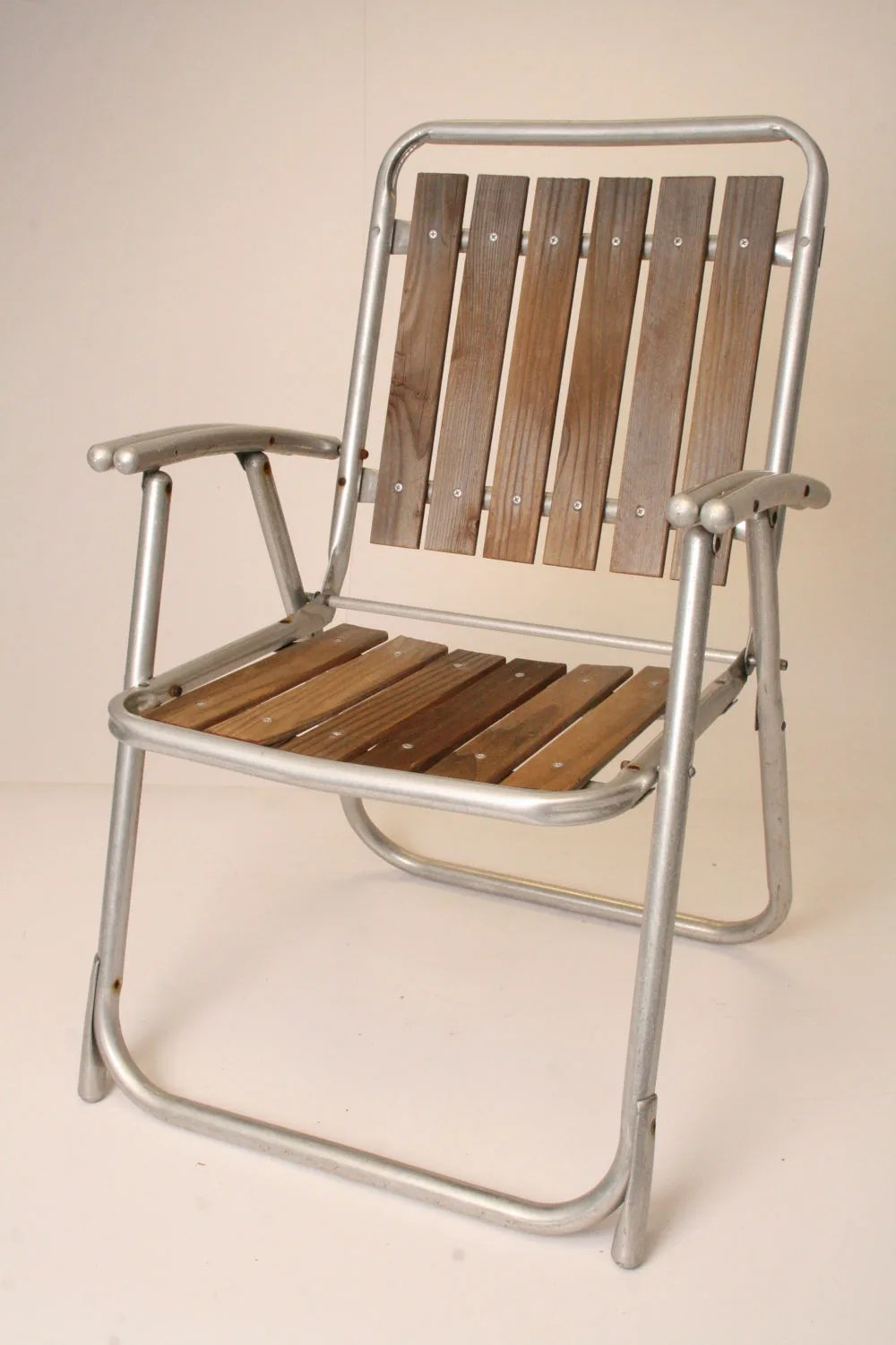 lightweight lawn chairs weave dining vintage aluminum folding chair redwood patio metal red