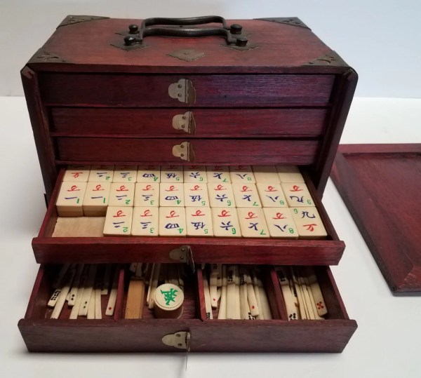 Antique Chinese Mah Jong Mahjong Set Rosewood Dove Tailed Case