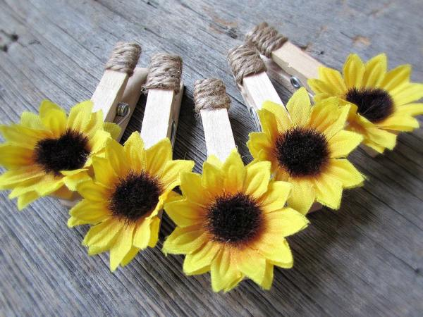 Sunflower Favors Place Card Holders Clothespin