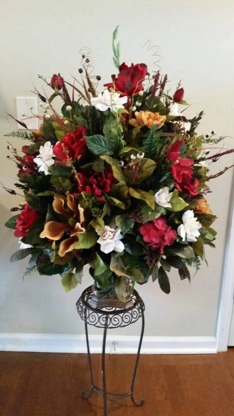 Large Elegant Traditonal Floral Arrangement Dining Room Entry