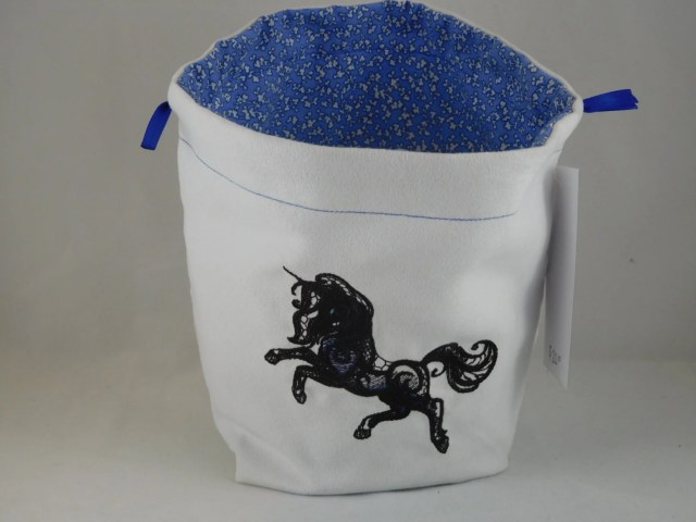 Black Lace Unicorn on whi...