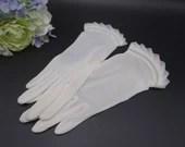 Vintage White Sheer Glove...