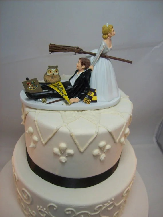 HARRY POTTER Funny Wedding Cake Topper HUFFLEPUFF House