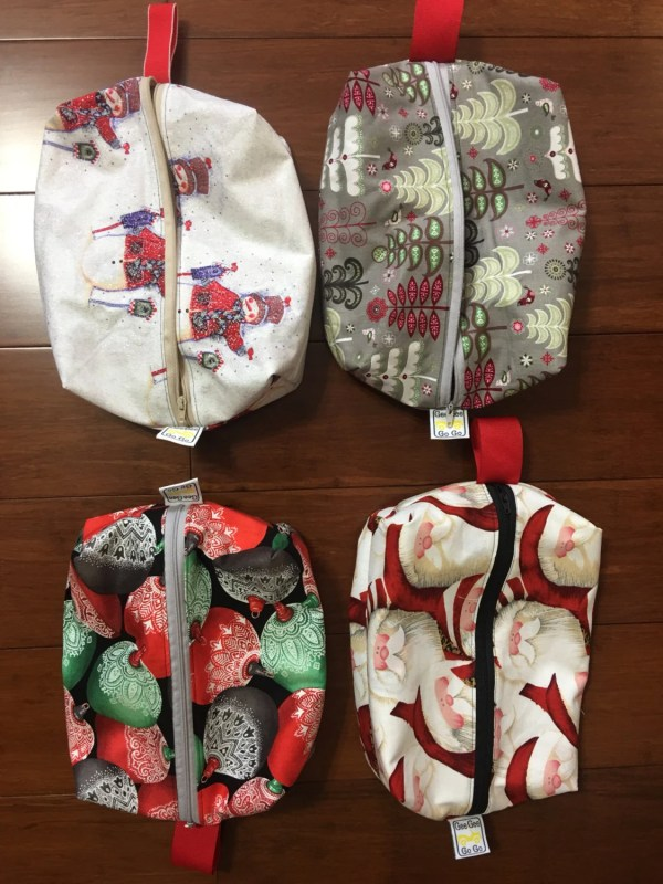 Christmas gift bags bulk discount set of 10 or 20 Travel