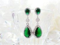 Long emerald earring