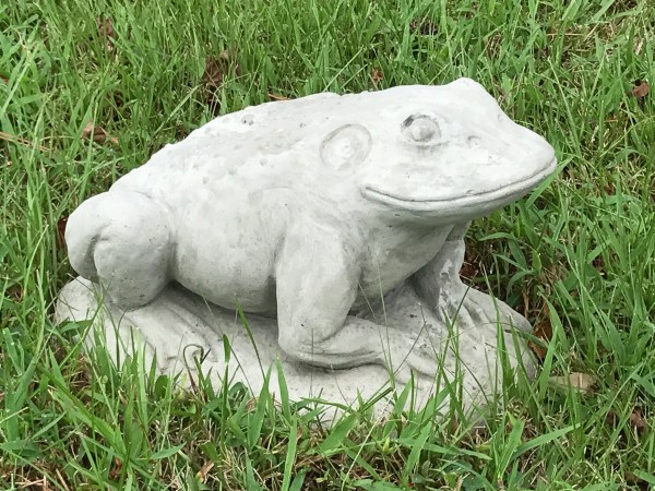 Concrete Frog Statues Outdoor