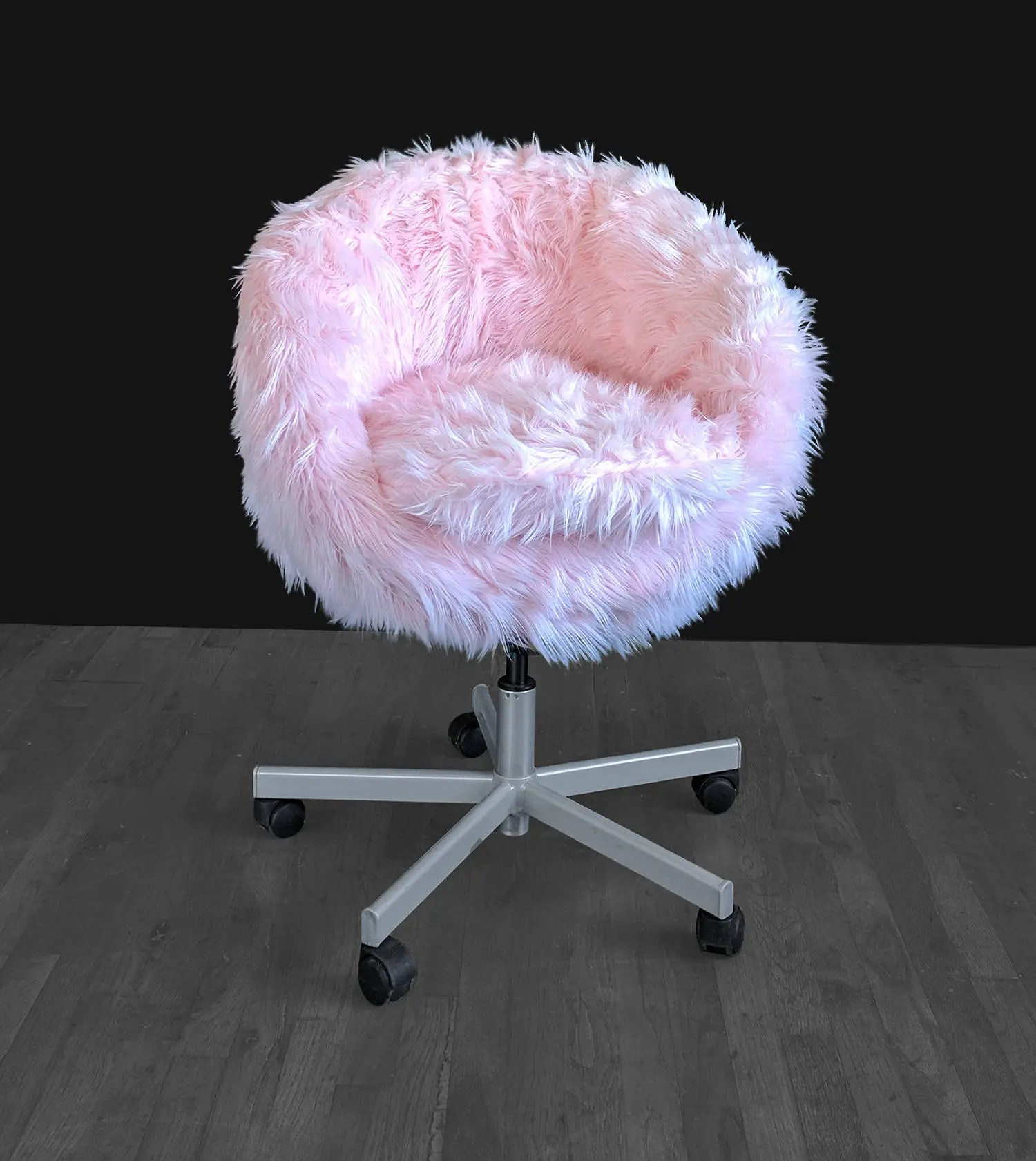 faux fur chair cover low beach ikea pink skruvsta slip
