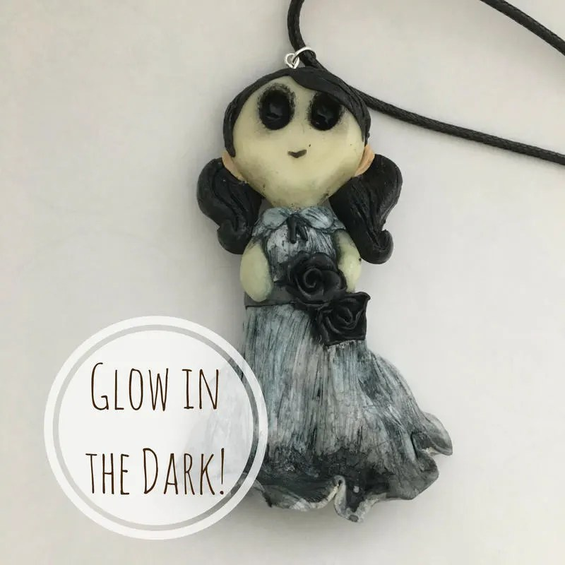 Glow in The Dark Creepy G...