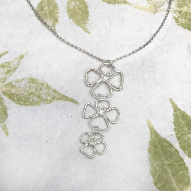 Silver Dangling Necklace ...