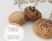 Cookie Scented Charm Neck...
