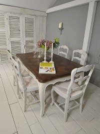 Shabby Chic Farmhouse Dining Table with 4 Captains Chairs