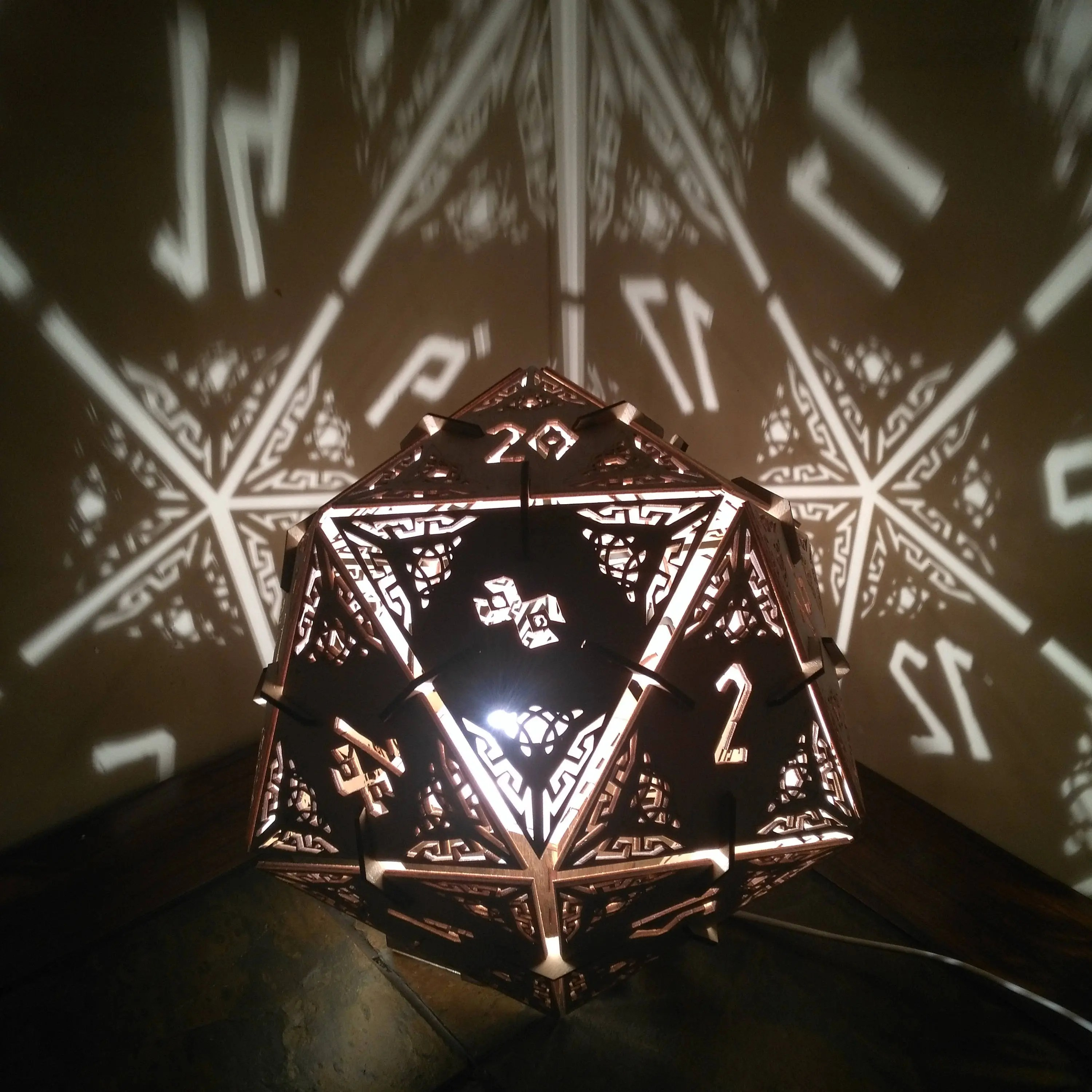 D20 Dungeons and Dragons Dice Desk Lamp