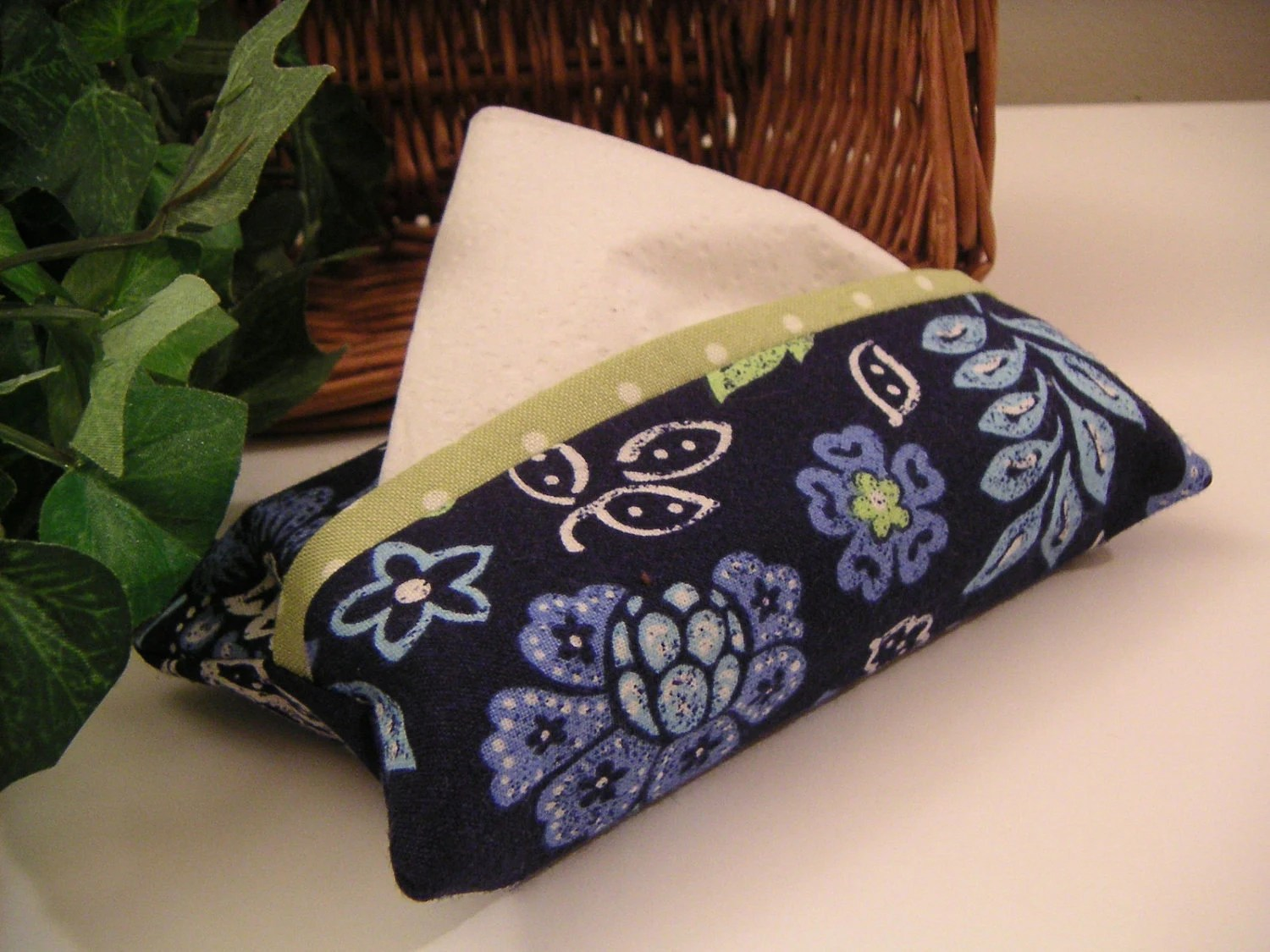 Tissue Cozy - Dark Blue Floral