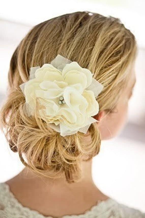Small Pacific Ivory or White Peony Bridal Hair Flower with Silver Grey Pearls