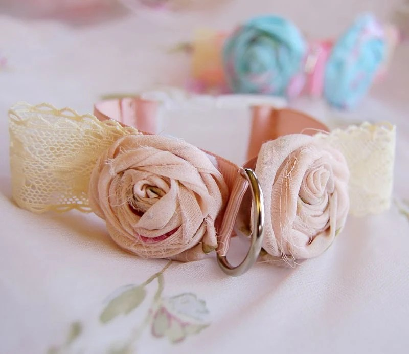 Vintage Soft Pink Dog Collar, flower collar,soft pink rose dog necklace