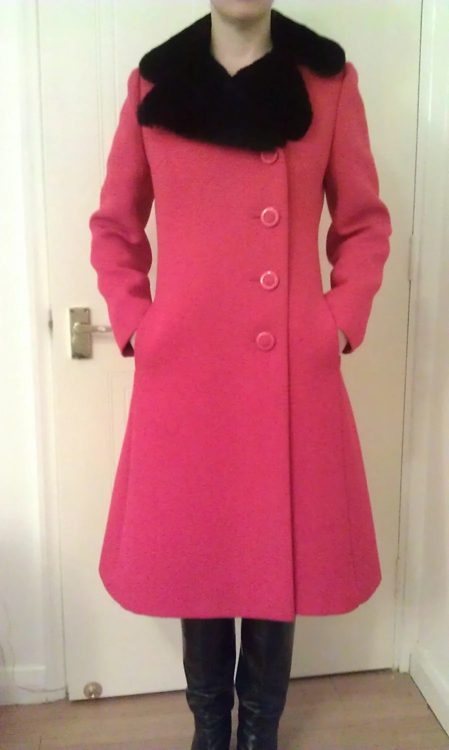 Vintage 1960s winter coat - Bright red with black fur collar