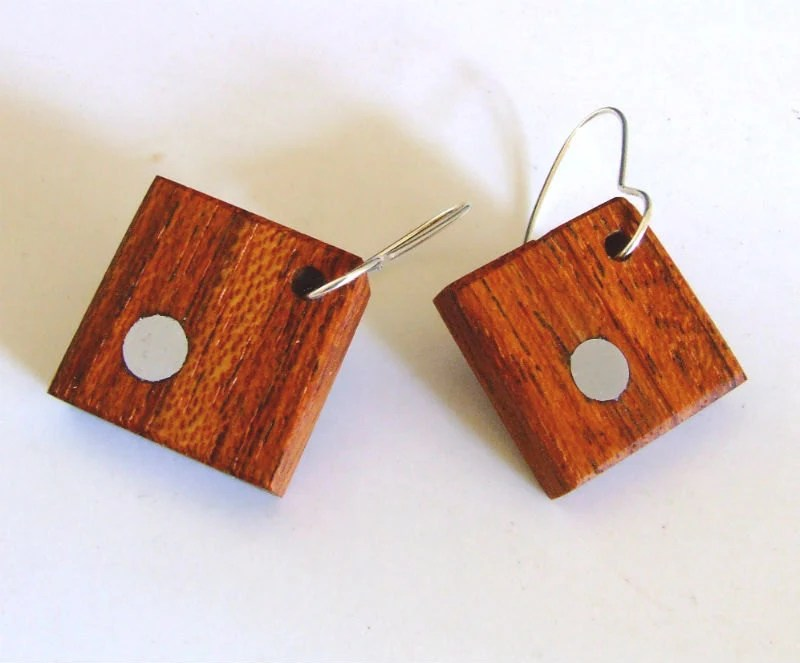 Wood dangle earrings jatoba and aluminium.