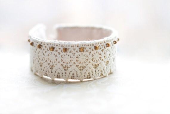 Textile bracelet. Shabby chic. Wedding bridal bride. Gift for her,  lace, beige,