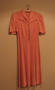 Vintage Mid 1940s Salmon Pink Dress