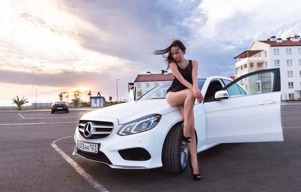 Hd Tough Girls Wallpaper Wallpaper Machine Girl Pose Mercedes Benz White Legs