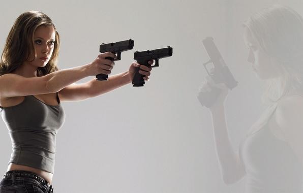 Glock Iphone Wallpaper Wallpaper Girl Weapons Actress Glock Guns Summer Glau