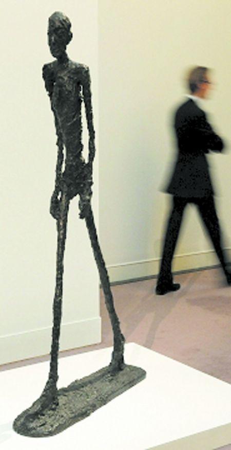 雕塑《行走的人》拍出上億美元_新聞滾動_大成網_騰訊網