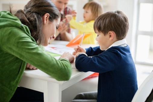 低齡孩子出國留學家長不放心 哪些國家可陪讀_教育_騰訊網