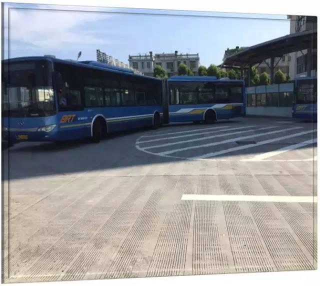 """廈門BRT將新增兩條線路 下個月試運營""""快5路""""_大閩網_騰訊網"""