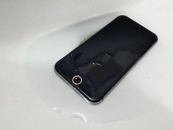 疑似iPhone 6真机曝光 或支持防水功能