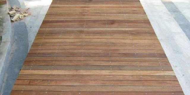 防腐木地板怎麼樣?防腐木地板價格與尺寸是多少?不要被忽悠了 - 愛經驗