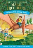 Book Cover Image. Title: Dinosaurs Before Dark (Magic Tree House Series #1), Author: Mary Pope Osborne