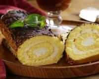 Einfache Biskuitroulade - Rezept | Kochrezepte.at
