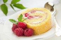 Fruchtige Himbeerroulade - Rezept | Kochrezepte.at