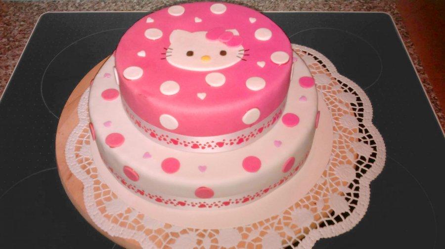 Hello Kitty Torte SchokoladeNuss Torte  Rezept