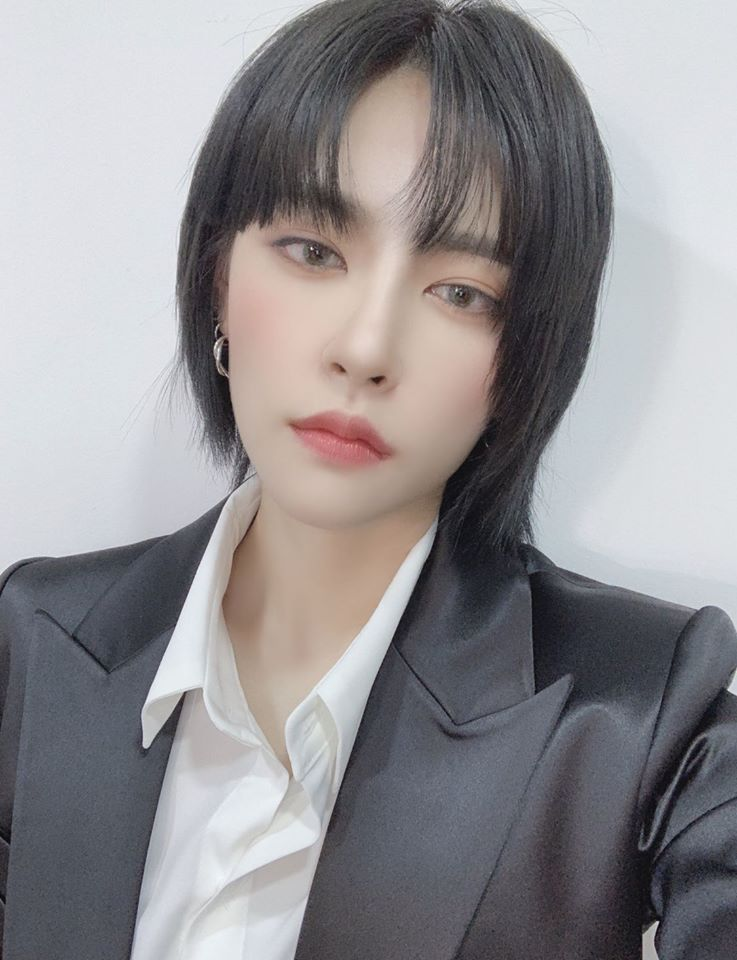 GWSN's Miya Gains Attention For Her Black Short Hairstyle | Kpopmap