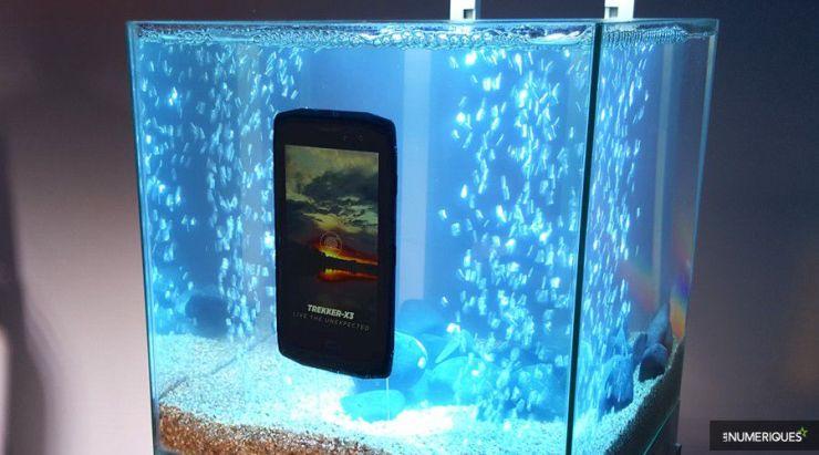 DziNS4u : le meilleur du High tech réuni crosscall-trekker-x3-aquarium Pros, sportifs, particuliers : Quel est LE meilleur smartphone antichoc (rugged smartphone) pour vous ?