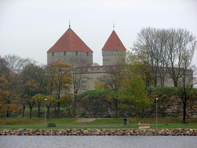 курессаре, замок 15 (640x480, 246Kb)