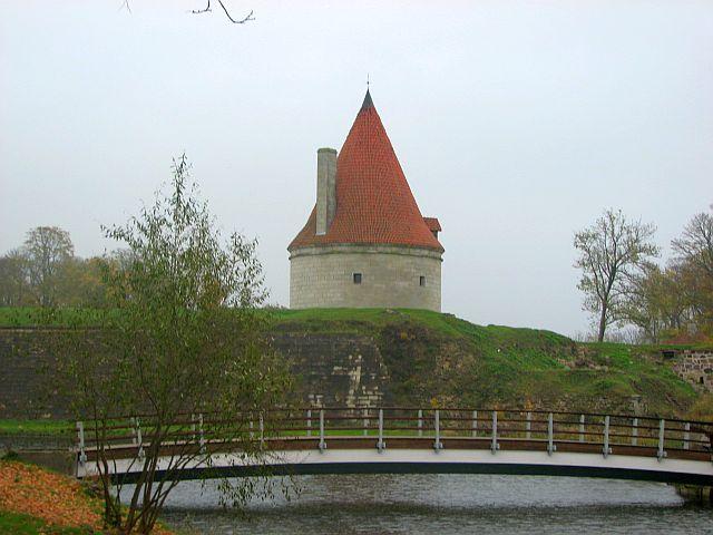 курессаре, замок 17 (640x480, 213Kb)
