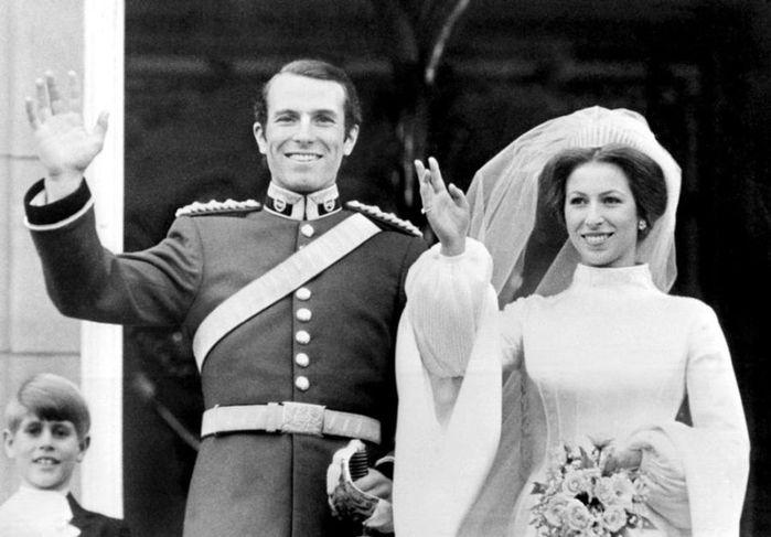 Королевские свадьбы (21 фотография), photo:6/3518263_Weddings_07 (700x487, 48Kb)