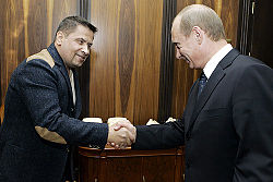 4769314_250pxVladimir_Putin_with_Nikolay_Rastorguev_22_February_2007 (250x167, 12Kb)