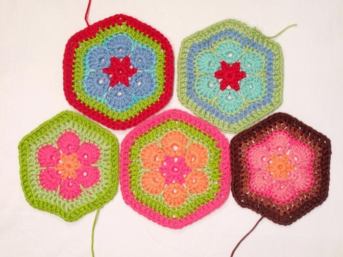 Flower crochet piece AFRICAN FLOWER for knitting toys (65) (700x525, 278Kb)